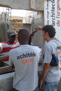 Travail de reconstruction avec la population haïtienne pour les Architectes de l'Urgence