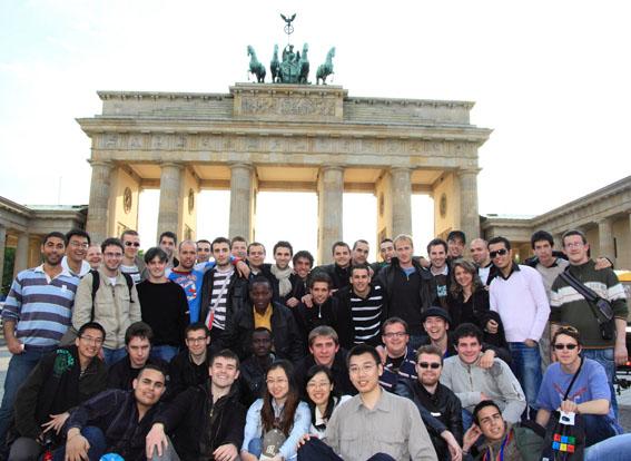 Le groupe de GE4 devant le portail de Brandenbourg à Berlin